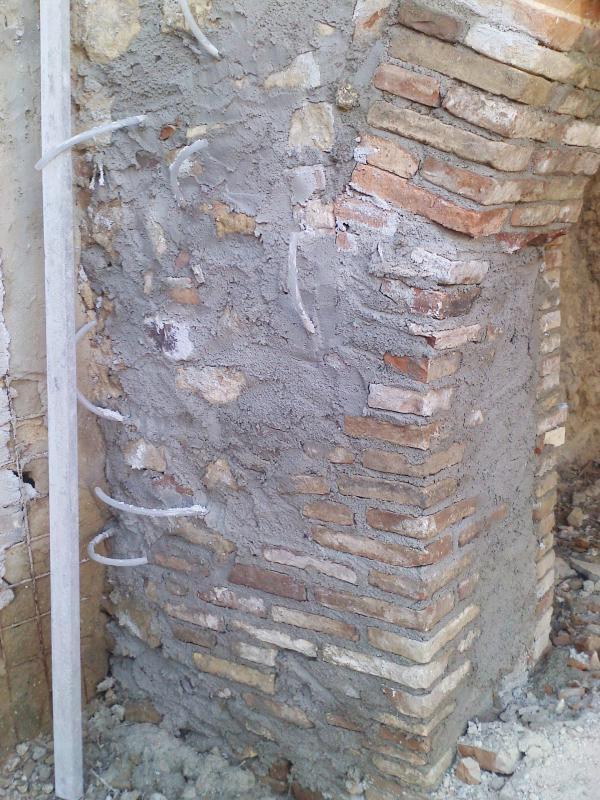 Consolidamento e ampliamento Museo del Vino Provincia di Chieti - Consolidamento imposta arco in muratura - Tollo (CH)