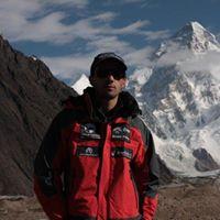 Campo Concordia - Ghiacciaio del Baltoro; sullo sfondo il K2
